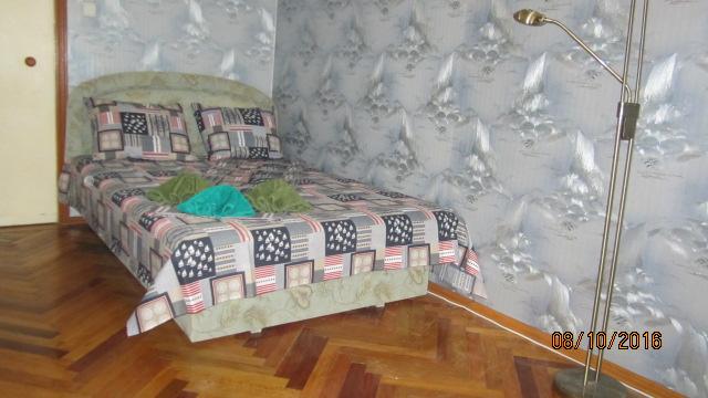 3-комнатная квартира посуточно в Киеве. Соломенский район, ул. Урицкого(Липковского), 43. Фото 1