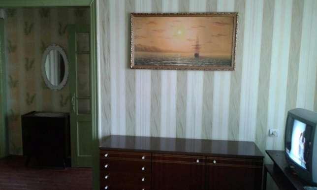 3-комнатная квартира посуточно в Белгороде-Днестровском. ул. Дзержинского, 26. Фото 1