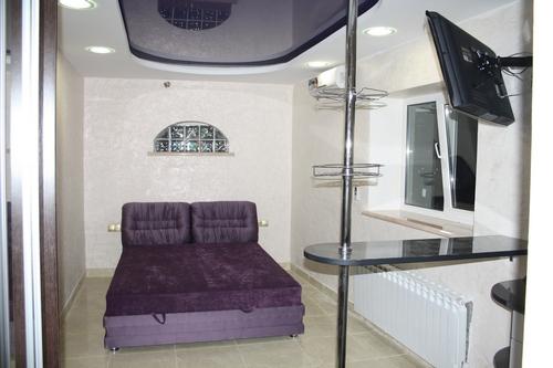 1-комнатная квартира посуточно в Одессе. Киевский район, ул. Авдеева-Черноморского, 37Б. Фото 1
