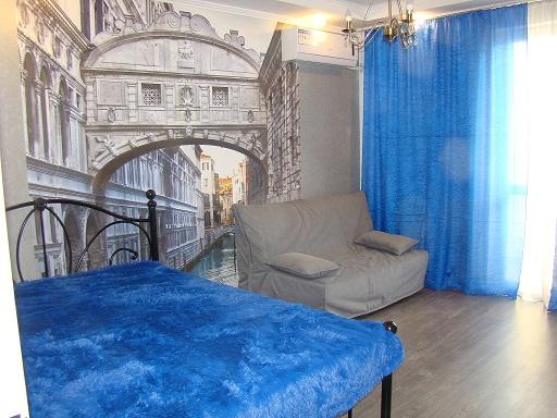 1-комнатная квартира посуточно в Севастополе. Гагаринский район, пр-т Античный, 12. Фото 1