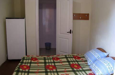 1-комнатная квартира посуточно в Железном Порту. ул. Морская, 18б. Фото 1