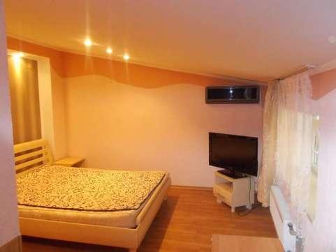 2-комнатная квартира посуточно в Львове. Галицкий район, пр-т Cвободы, 43. Фото 1