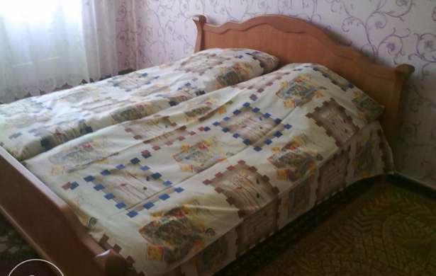 1-комнатная квартира посуточно в Новой Каховке. ул. Пионерская, 23. Фото 1