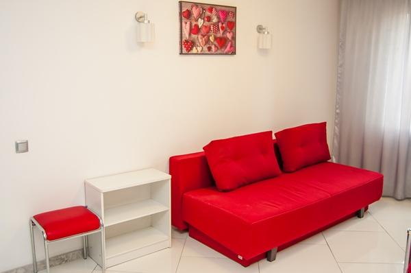 2-комнатная квартира посуточно в Киеве. Оболонский район, пр-т Героев Сталинграда, 28. Фото 1
