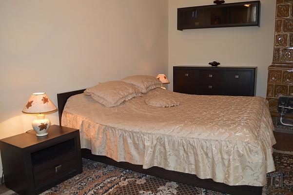 2-комнатная квартира посуточно в Львове. Галицкий район, ул. Дорошенко, 32. Фото 1
