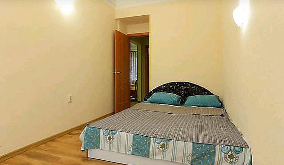 3-комнатная квартира посуточно в Киеве. ул. Большая Васильковская, 114. Фото 1