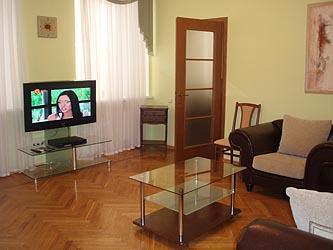 2-комнатная квартира посуточно в Одессе. Приморский район, ул. Сабанеев Мост, 5/7. Фото 1