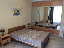 2-комнатная квартира посуточно в Одессе. Французский Бульвар, 22. Фото 1