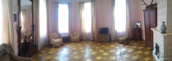 2-комнатная квартира посуточно в Львове. Галицкий район, ул. Коцюбинского, 1. Фото 1
