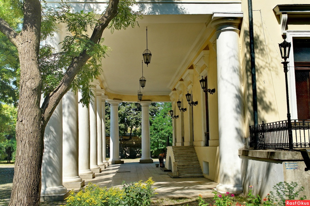 колоны_Воронцовского_дворца.jpg