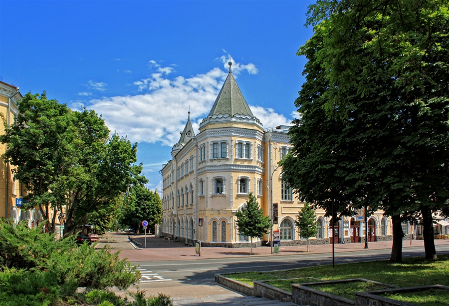 chernigiv_filarmoniya_doba.ua.jpg