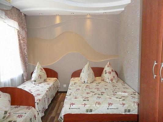 Дом  посуточно в Бердянске. ул. Подгорная, 298. Фото 1