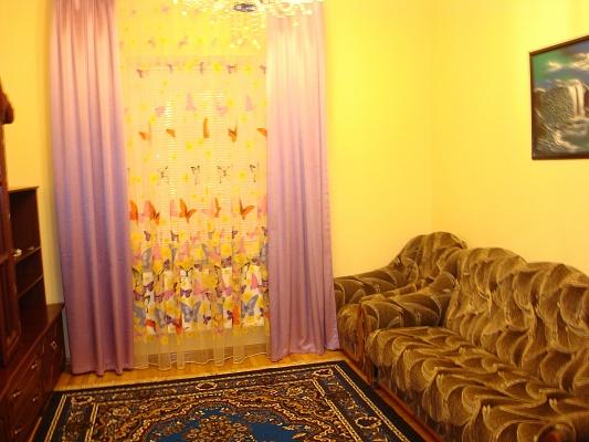 3-комнатная квартира посуточно в Виннице. Ленинский район, ул. Ермака, 13. Фото 1