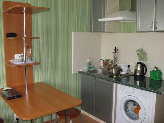 1-комнатная квартира посуточно в Ильичёвске. ул. Парковая, 24. Фото 1