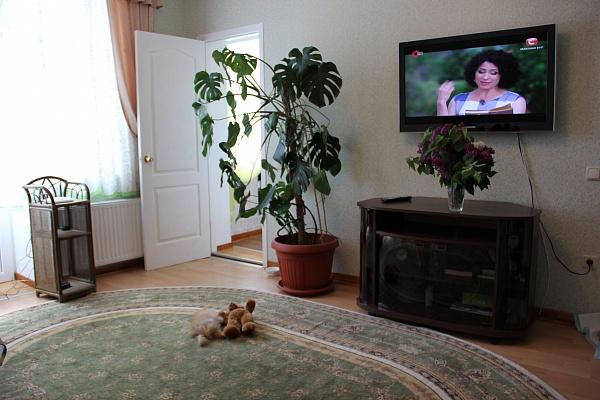 2-комнатная квартира посуточно в Одессе. Приморский район, ул. Черноморская, 13. Фото 1
