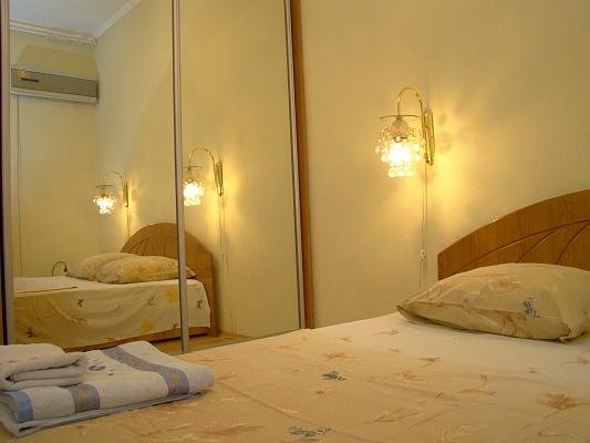 2-комнатная квартира посуточно в Харькове. Киевский район, ул. Данилевского, 10. Фото 1