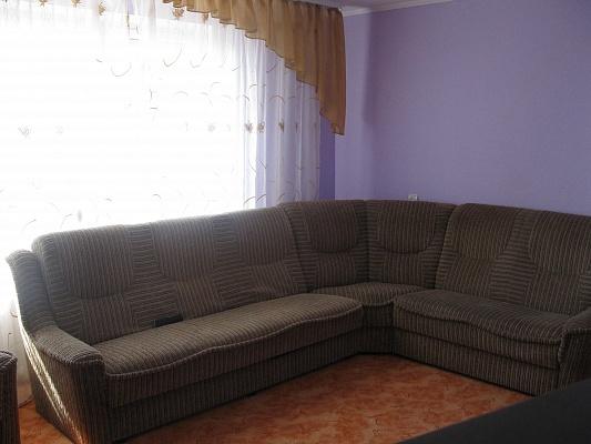 3-комнатная квартира посуточно в Луцке. ул. Карпенка-Карого, 9. Фото 1