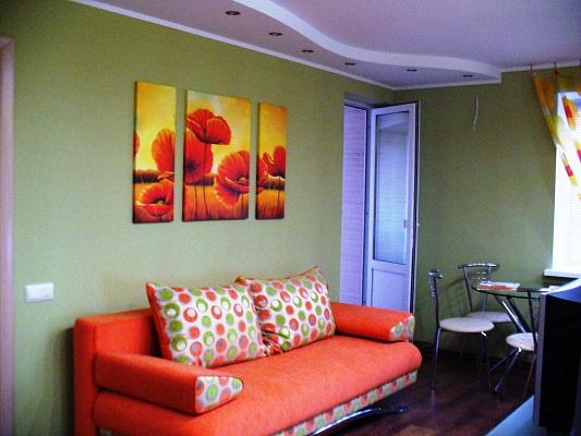 2-комнатная квартира посуточно в Николаеве. Заводской район, ул. Комсомольская. Фото 1