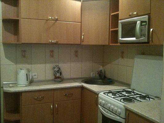 2-комнатная квартира посуточно в Запорожье. Орджоникидзевский район, б-р Центральный, 12. Фото 1