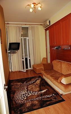 1-комнатная квартира посуточно в Ялте. ул. Ломоносова, 5. Фото 1
