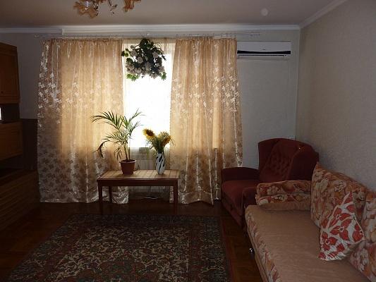2-комнатная квартира посуточно в Одессе. Суворовский район, Одесса, Николаевская дорога, 305, 305. Фото 1