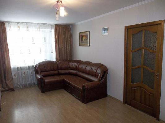 2-комнатная квартира посуточно в Черкассах. б-р Шевченко, 352. Фото 1