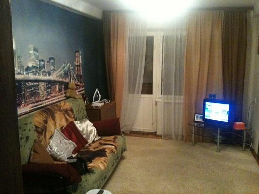 2-комнатная квартира посуточно в Запорожье. Коммунарский район, Малиновского, 17. Фото 1