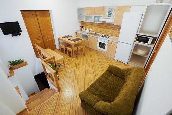 2-комнатная квартира посуточно в Львове. Лычаковский район, ул. Римлянина, 6. Фото 1