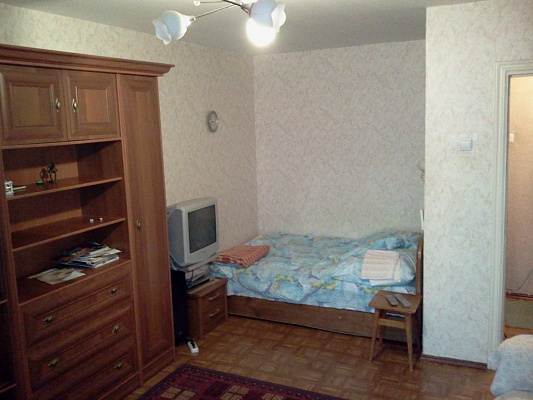 1-комнатная квартира посуточно в Южном. ул. Химиков, 14. Фото 1