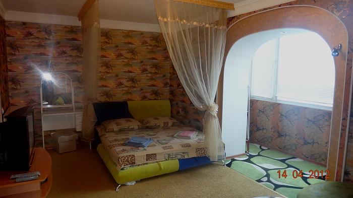 1-комнатная квартира посуточно в Умани. ул.Ленина, 21. Фото 1