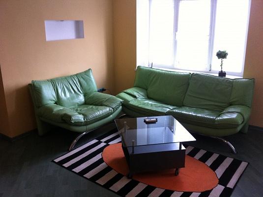3-комнатная квартира посуточно в Запорожье. Орджоникидзевский район, б-р Центральный , 4. Фото 1