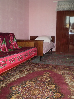 1-комнатная квартира посуточно в Евпатории. пр-т Победы, 13. Фото 1