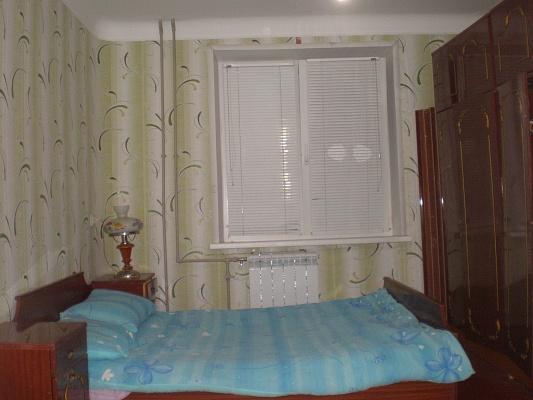 2-комнатная квартира посуточно в Энергодаре. ул. Строителей, 30. Фото 1
