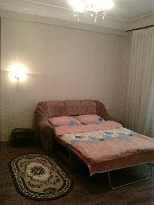 1-комнатная квартира посуточно в Измаиле. пр-т Суворова, 58. Фото 1