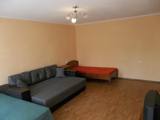 3-комнатная квартира посуточно в Черкассах. Шевченко бульвар, 135. Фото 1