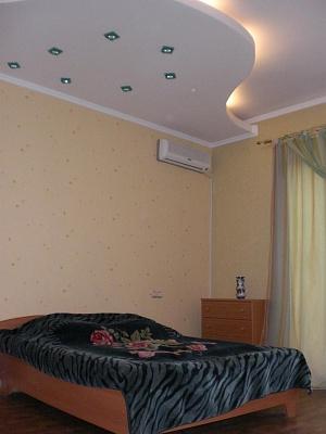 1-комнатная квартира посуточно в Феодосии. ул. Старшинова , 3. Фото 1