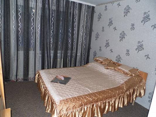 3-комнатная квартира посуточно в Виннице. Старогородский район, Короленка, 31. Фото 1