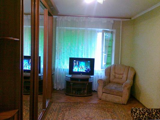 1-комнатная квартира посуточно в Белой Церкви. ул. Курсовая, 37. Фото 1
