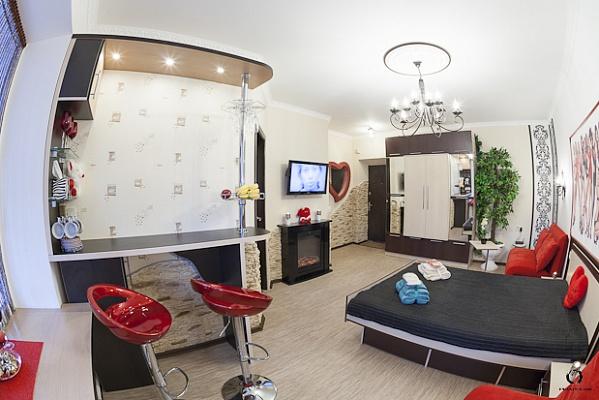 1-комнатная квартира посуточно в Черкассах. ул. Смелянская, 36. Фото 1
