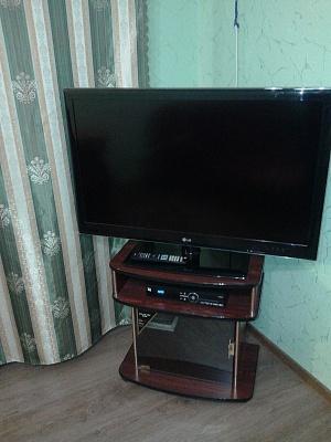 2-комнатная квартира посуточно в Донецке. Киевский район, ул. Миронова, 15. Фото 1