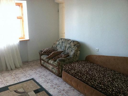 2-комнатная квартира посуточно в Одессе. Киевский район, ул. Бригадная, 48. Фото 1
