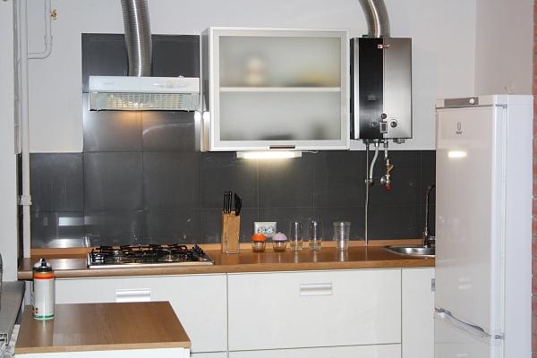 2-комнатная квартира посуточно в Одессе. Приморский район, ул. С. Варламова, 26. Фото 1