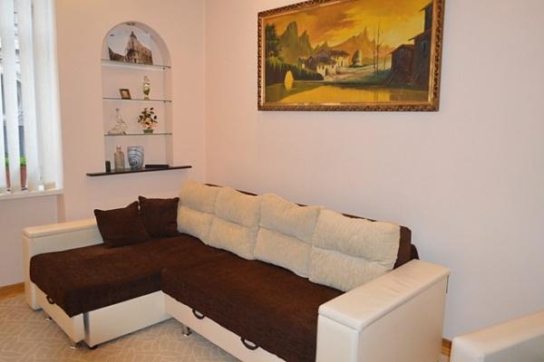 1-комнатная квартира посуточно в Львове. Галицкий район, ул. Коцюбинского, 1. Фото 1