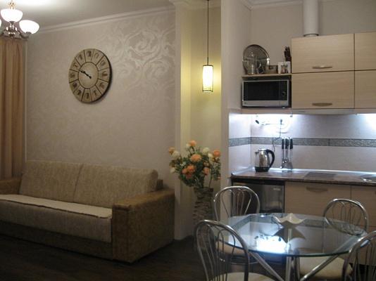 2-комнатная квартира посуточно в Одессе. Приморский район, ул. Ланжероновская, 30. Фото 1