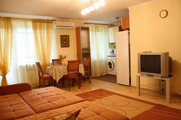 2-комнатная квартира посуточно в Бердянске. ул. Розы Люксембург , 27. Фото 1