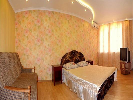 1-комнатная квартира посуточно в Севастополе. Ленинский район, ул. Генерала Петрова, 12. Фото 1