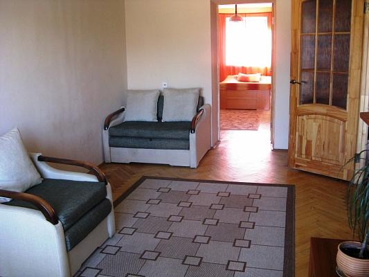 2-комнатная квартира посуточно в Львове. Лычаковский район, ул. Туган-Барановского, 9а . Фото 1