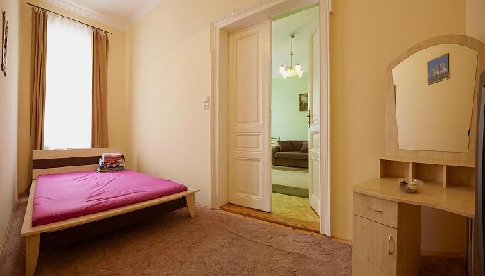 2-комнатная квартира посуточно в Львове. Галицкий район, ул. Франка, 43. Фото 1