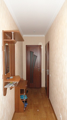 2-комнатная квартира посуточно в Чернигове. Деснянский район, ул. Гетьмана Полуботка , 5. Фото 1