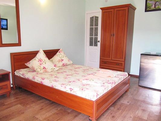 Мини-отель  посуточно в Феодосии. ул. Дружбы , 70. Фото 1